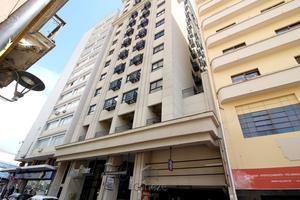 Sala comercial a venda no Centro de Curitiba.