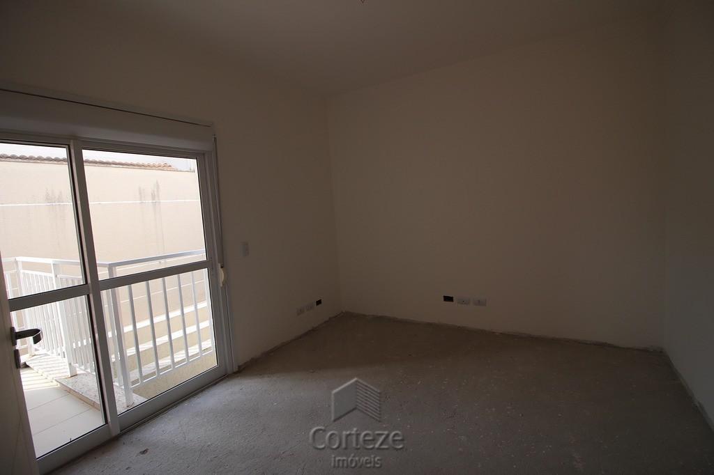 Sobrado 3 quartos, sendo 1 suite no Guabirotuba.