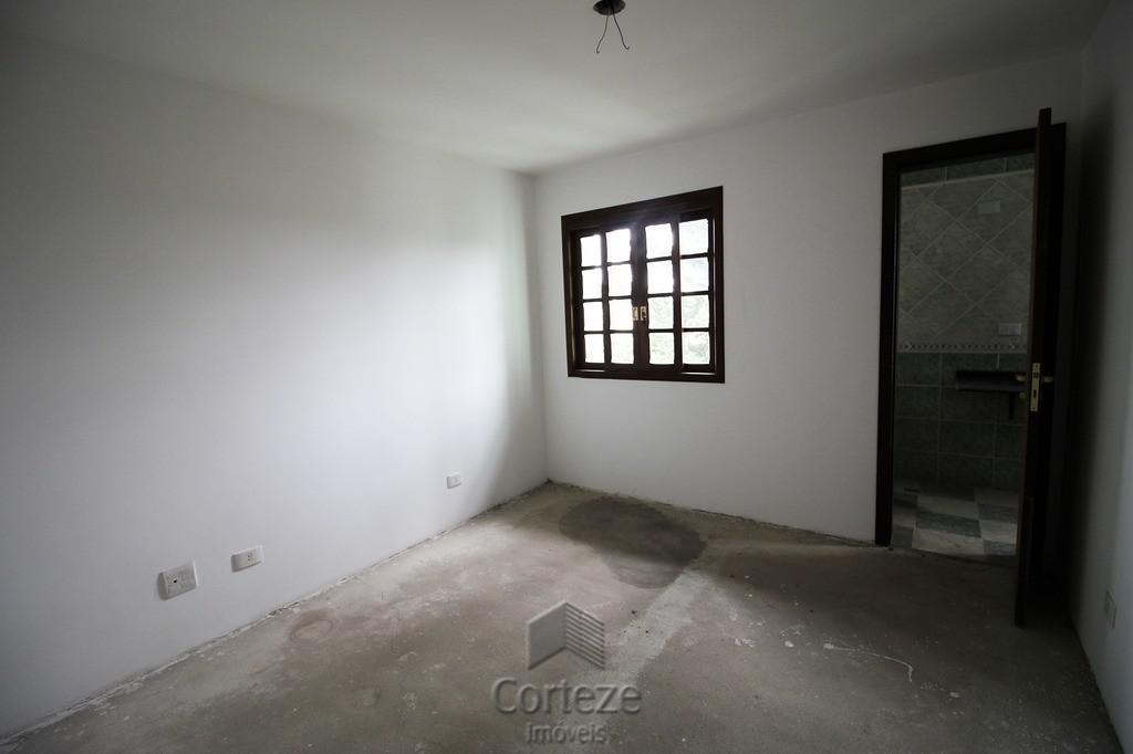 Sobrado 03 Dormitórios na região do Uberaba