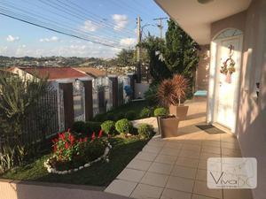Maravilhosa Casa no Bairro Oficinas em Ponta Grossa - 3 Dorm(sendo 1 Suíte), Vaga para 6 Carros, amplo Jardim e Piscina.