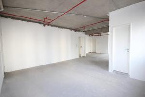 Conjunto de 76m² com 2 vagas de garagem no Ed. Platinum Building Berrini, em SP.