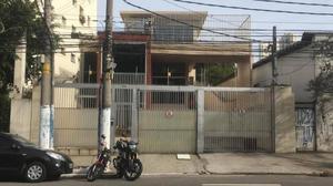 Cambuci - Galpão comercial Terreno 1.200m²  Área Construída 2.20m² na Rua Clímaco Barbosa para Venda ou Locação.