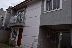 Triplex em condomínio fechado no Cajuru
