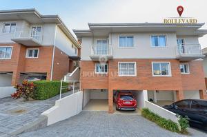 Casa no Terra Alta, com 4 dormitórios à venda, 220 m² por R$ 1.180.000 - Guabirotuba - Curitiba/PR