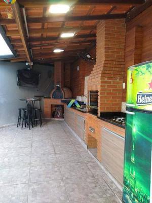 Casa linda, com móveis planejados em todos os ambientes e um excelente espaço Gourmet para pizza e churrasco, 10 minutos a pé do metrô Conceição.
