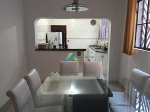Excelente sobrado a poucos minutos da estação do metro Conceição e Jabaquara com 5 dormitórios, 2vagas excelente quintal, com ótimo valor!